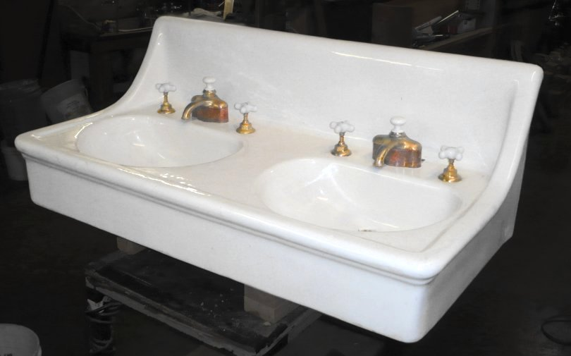 Antique Console Lavatory